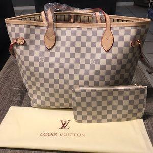 Louis Vuitton MM Neverfull
